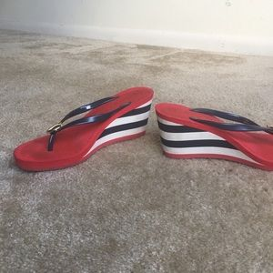 JUICY COUTURE LANEY WEDGE FLIP FLOP SANDAL RED